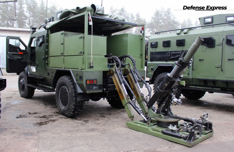 Українська бронетехніка показала Варту з мінометом