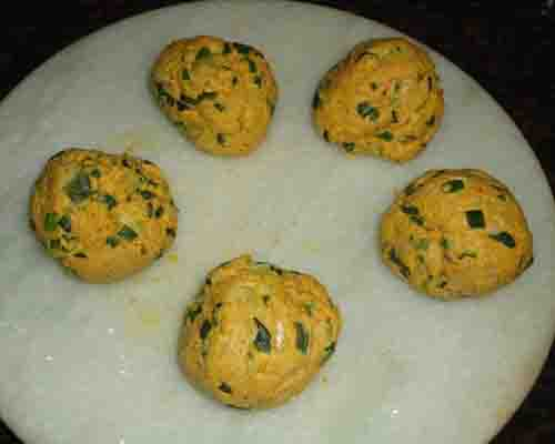 make 5 balls from dough