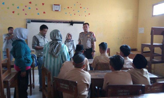 Polisi Usut Kasus Kepala Sekolah yang Menganiaya Siswanya..