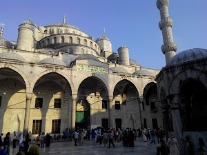Wisata Sekaligus Menyusuri Jejak Sejarah Istanbul Turki