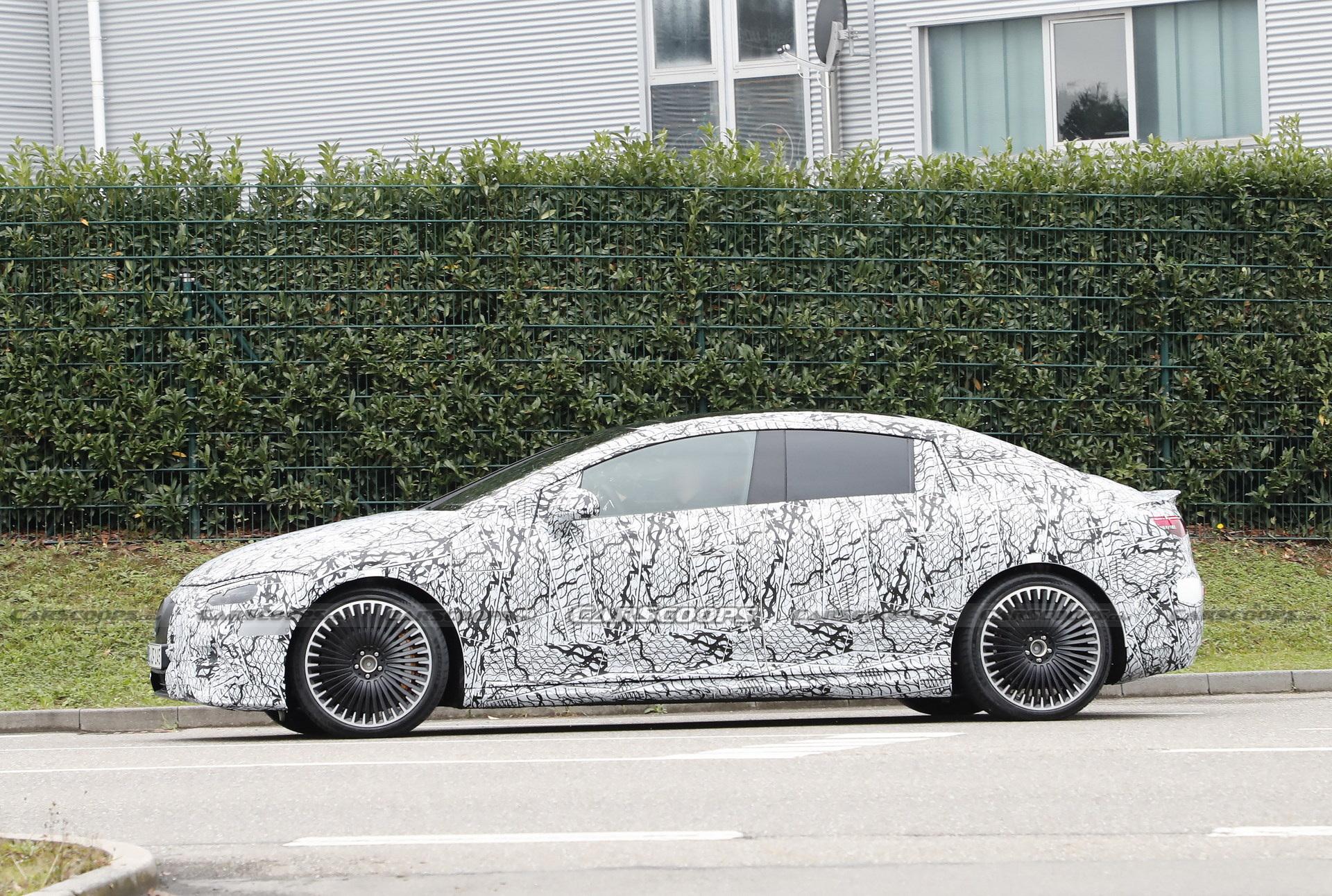 Mercedes-AMG EQE 53