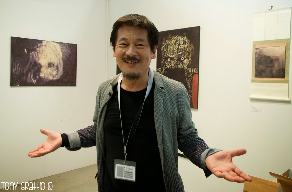 Katsu Ishida, artista, 48 anni circa (molto all'incirca)