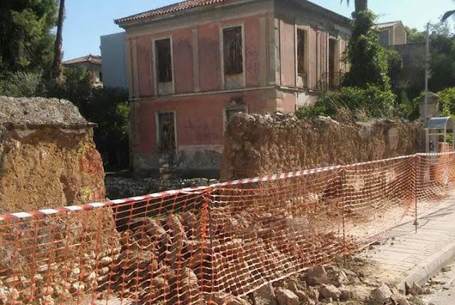 Κατέρρευσε τμήμα της μάντρας στο οικόπεδο Κωλέττη στο Άργος