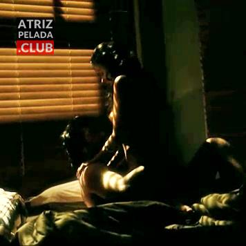 Isis Valverde pelada em cena de sexo
