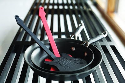 Creative Frying Pans and Cool Spatulas for your Kitchen (20) 19