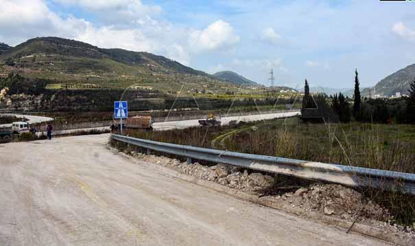 تمهيداً لوضعه بالخدمة إزالة السواترعن أجزاء من الطريق الدولي M4 اللاذقية-حلب