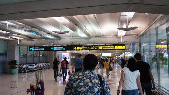 Фото в аэропорту Бангкока Суварнабхуми, Тайланд