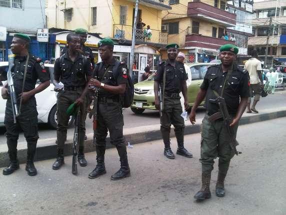 Nigerian-Police-officers-in-black-uniform-2-
