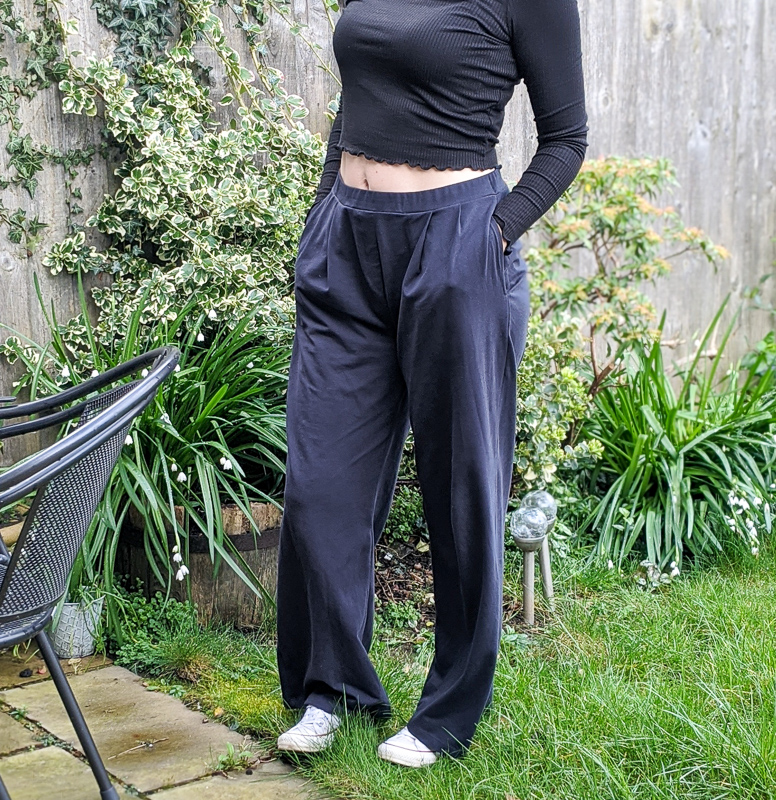 Saint and Sofia Camden Wide Leg Pant in Navy