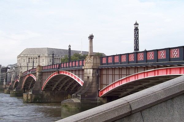 Lambeth Bridge Harry Potter Places to visit