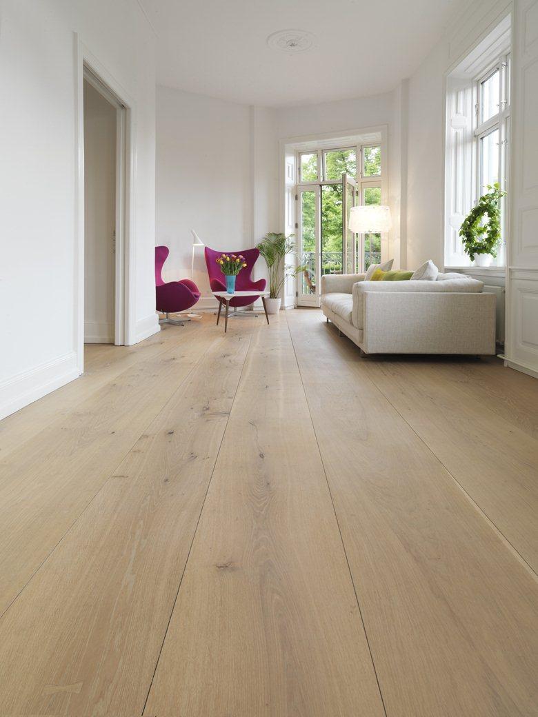 Do wood tiles look like hardwood floors and how can you achieve the effect of hardwood floors