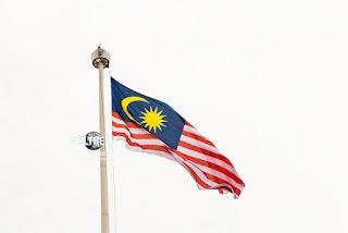 Riesige Landesfahne in Kuala Lumpur. www.WELTREISE.tv