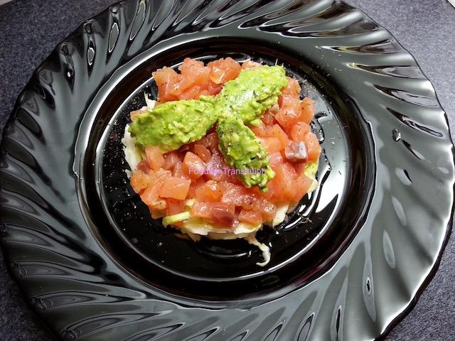 Tartare di cavolo cappuccio, salmone gravlax e avocado