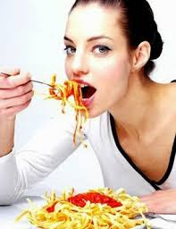 Hindari makanan yang pedas saat menstruasi