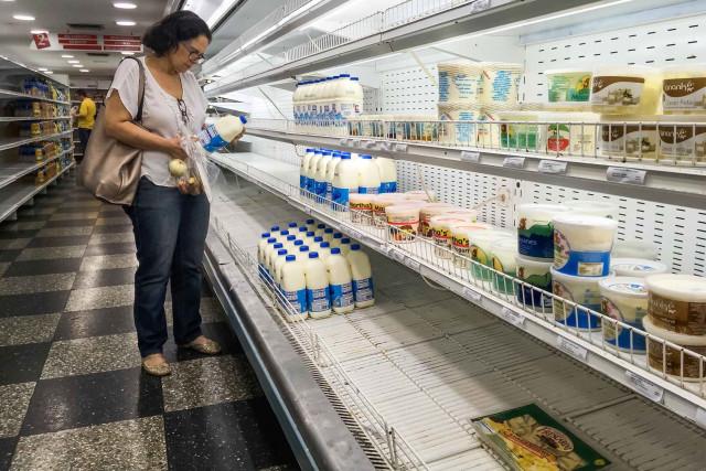 Cerca del 40 % de los negocios en Venezuela han cerrado sus puertas tras aumento de sueldo mínimo