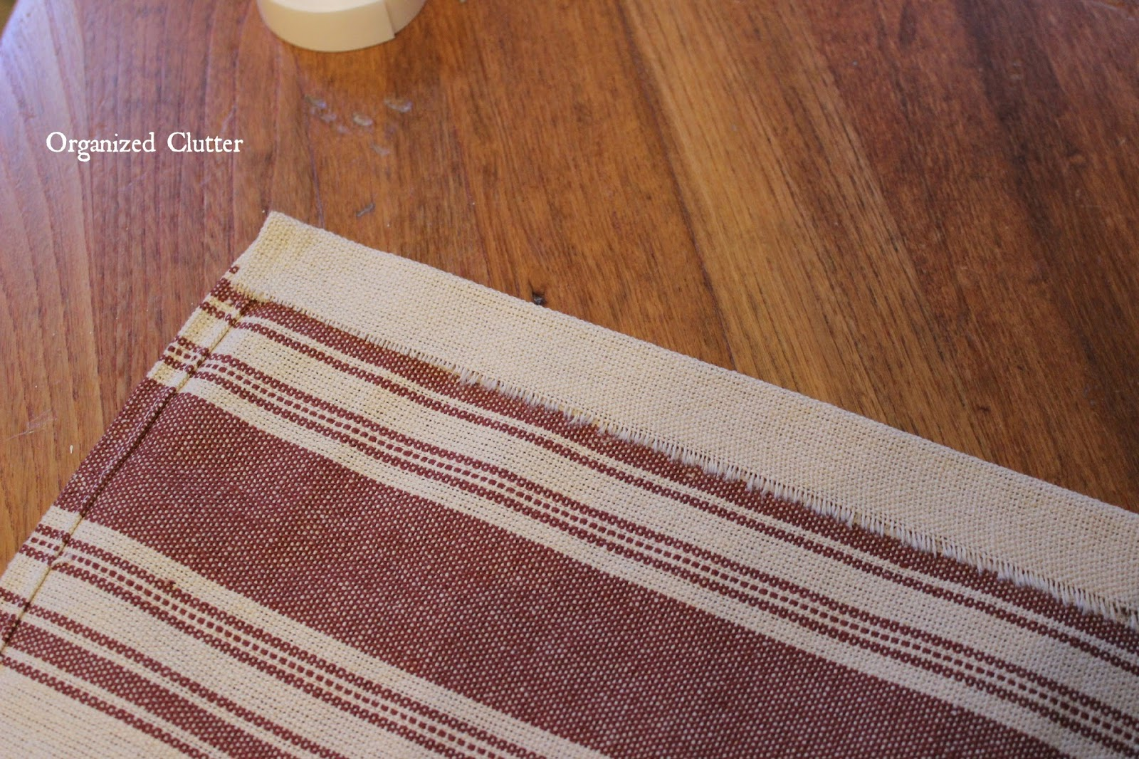Easy No Sew Kitchen Valances www.organizedclutterqueen.blogspot.com