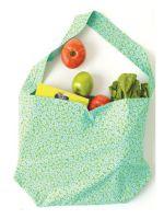 http://homemanualidades.net/como-hacer-una-bolsa-con-una-funda-de-almohada/