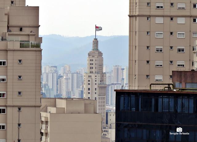 Vista do Edifício Altino Arantes em Superzoom desde o Mirante do Sesc Paulista - São Paulo