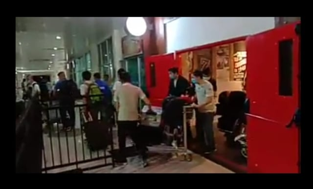 Pembuat Video 40 TKA China yang Tiba di Bandara Kendari Ditangkap Polisi