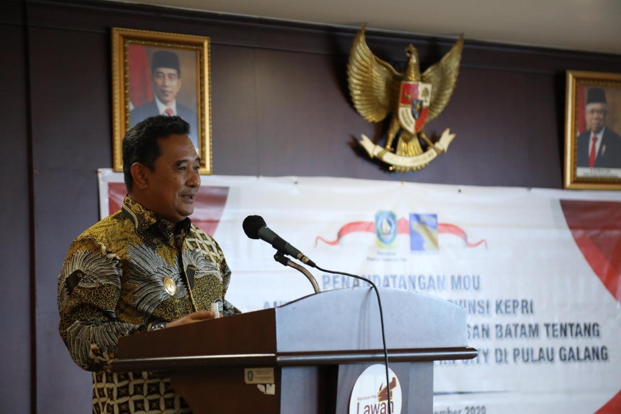 Pjs Gubernur Kepri Menyaksikan Penandatanganan Kerjasama Dengan BP Batam Untuk Pengembangan Kawasan Maritim City Pulau Galang