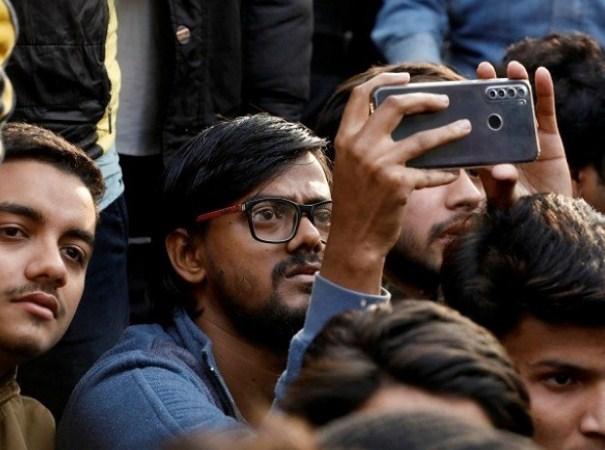 Dari Instagram ke TikTok: India membuat pertempuran dalam talian terhadap undang-undang kewarganegaraan