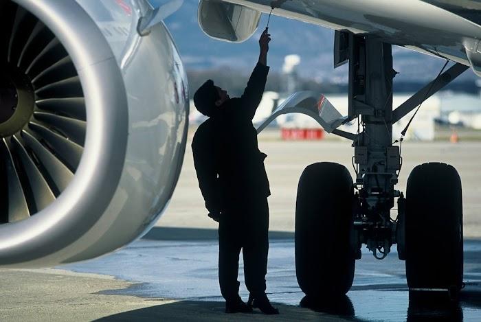 Uçak Mühendisi Nasıl Olunur? Maaşı Ne Kadar?