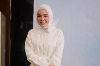 Alasan Dewi Sandra Kembali Bernyanyi