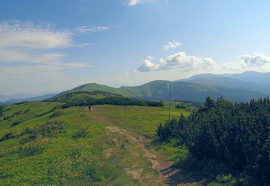 Za nami Veľká hoľa i Latiborská hoľa, i wiele innych szczytów na grani.