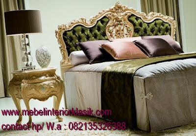tempat tidur duco putih,tempat tidur jati ukir jepara,tempat tidur klasik mewah jepara,tempat tidur jati klasik,tempat tidur ukiran klasik mewah,tempat tidur classic eropa,tempat tidur french vintage duco putih,jual mebel jepara,mebel interior klasik