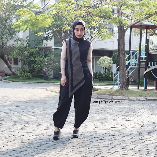 hijab style wearing asymmetrical vest