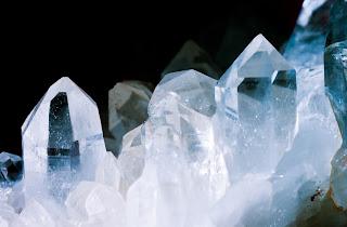 silicon dioxide crystals quartz mineral