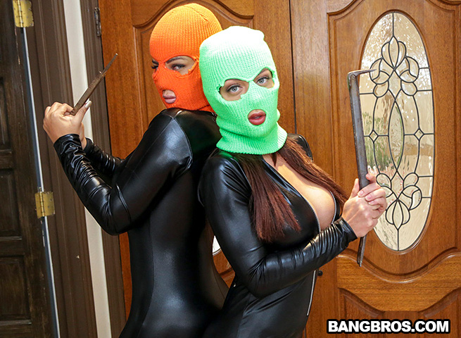 Bridgette B & Karma RX: Robbing The Family Jewels ( BangBros)