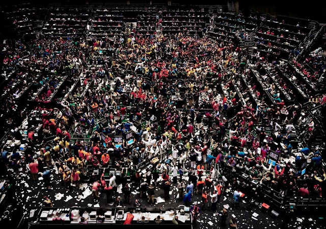 عنوان الصورة ( بورصة شيكاغو 3 ) | المصور (أندرياس غورسكي)
