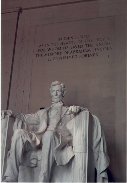 photograph of Lincoln Memorial in D.C.