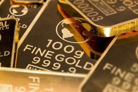 10 Keuntungan Tabungan Emas Pegadaian Yang Memanjakan Nasabah