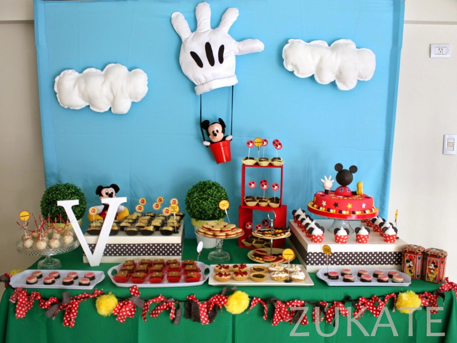 Fiesta de la casa de mickey mouse para valent n zukate for Decoraciones para hacer en casa