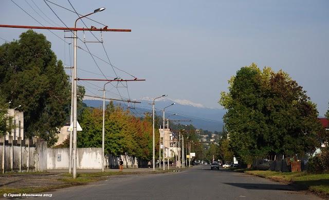 Несколько фото с сухумских улиц: Кирова, Эшба, Гумистинской (Новый район)