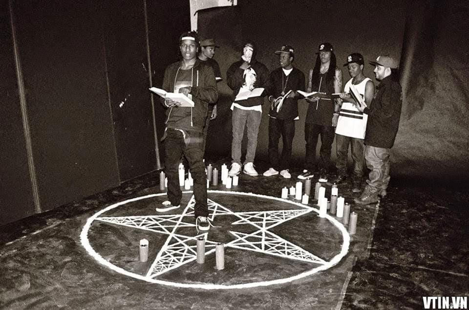 Thiếu nữ 19 tuổi tự thú giết 22 người để thờ quỷ