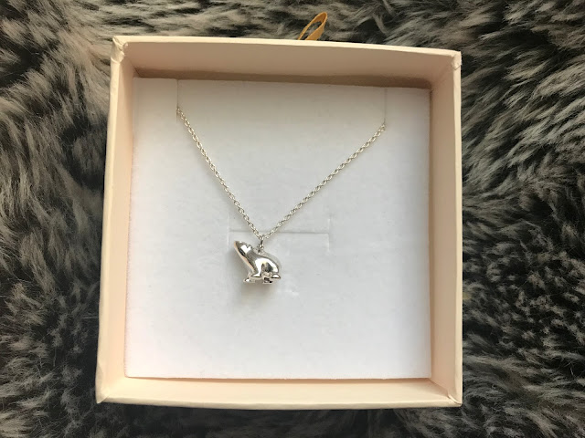 jane reinherdt polar bear necklace in box