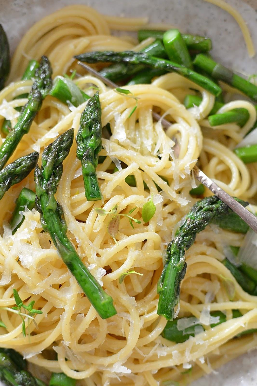 Spaghetti Ze Szparagami Czyli Włoskie Jedzenie Smykwkuchni