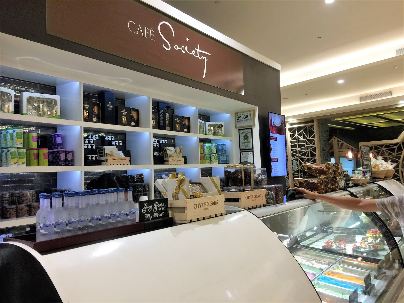 Cafe Society in City of Dreams Manila's Sorbet, Dessert and Alcohol section