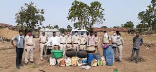 थाना घटिया पुलिस द्वारा ग्राम सुलीया टिब्बा में हाथ भट्टी की कच्ची शराब बनाने का जखीरा पकड़ा