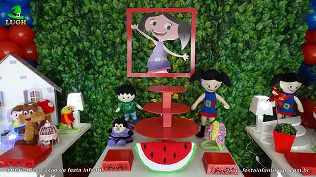 Mesa decorada com tema Show da Luna
