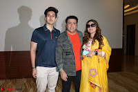 Govinda with wife Sunita Ahuja and Son Yashvardan Ahuja at Screening Of her new movie Aa a Hero 7.JPG