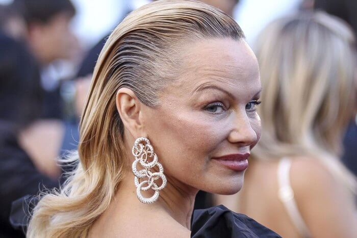pamela anderson undergoes drastic transformation and her face is