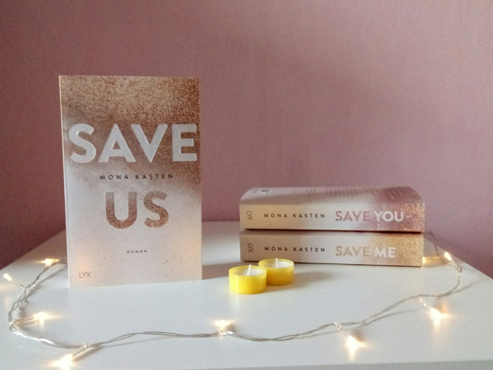 {Rezension} Save Us | Mona Kasten