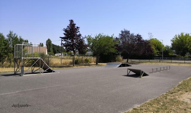 skatepark vitry aux loges