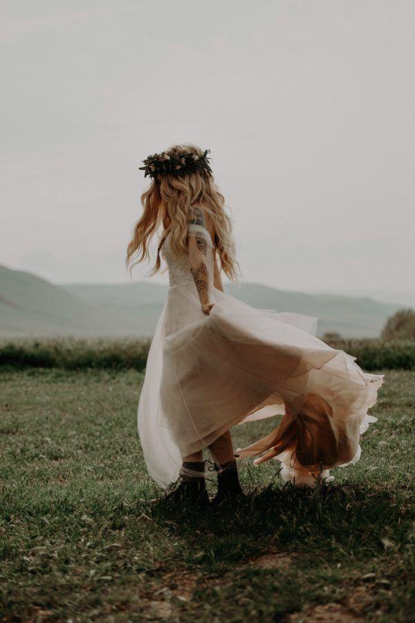 Boda en Wind Wolves Preserve vestido de novia