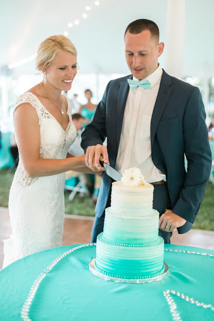 obmbre turquoise wedding cake cutting