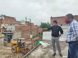 #JaunpurLive : 30 जून तक बनकर तैयार हो जाय पुल : डीएम